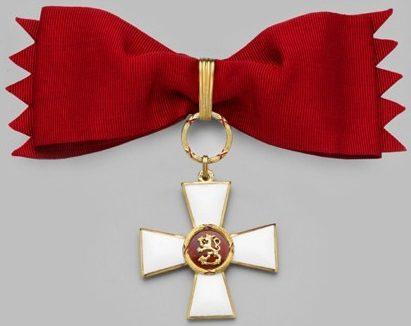 Командорский Крест ордена Льва Финляндии на банте для женщин.