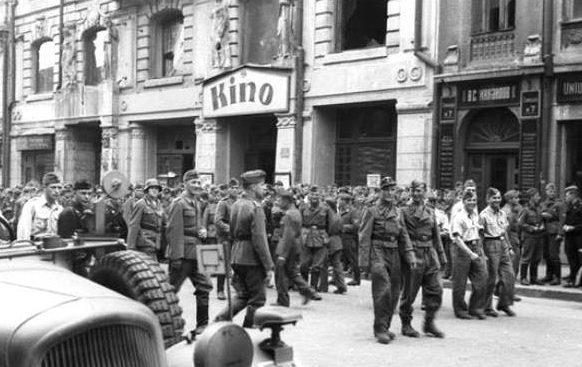 Немецкий кинотеатр на Сумской ,5. Лето 1943 г.