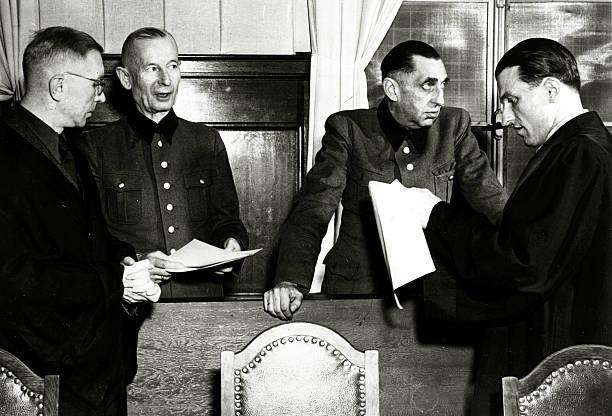 Германн Ферч с адвокатом. 1946 г.