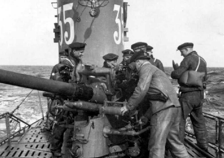 Тренировка с носовым орудием на подлодке «U-35». Март 1941 г.