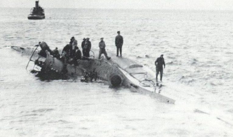 Подлодка «U-97» выбросилась на пляж Хайфы. Июнь 1943 г.