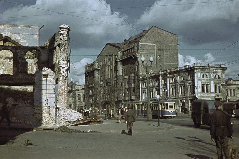 Улица Свердлова, ныне - Полтавский шлях. Лето 1942 г.