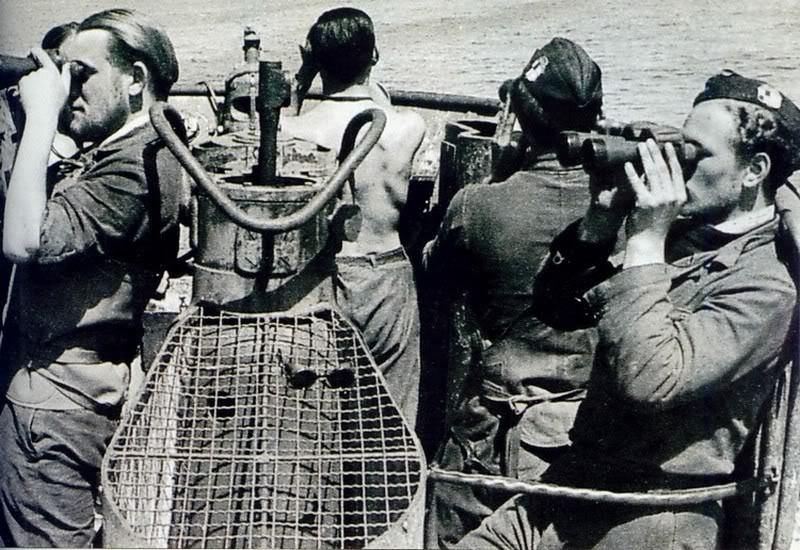 Вахта на мостике на подлодке «U-86». Июль 1941 г.
