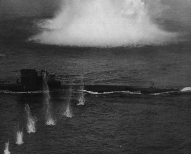 Подлодка «U-134» под огнем. Июль 1943 г.