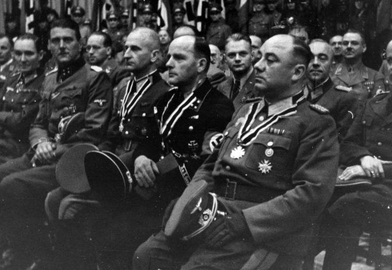 Отто Скорцени во дворце спорта по случаю дня Благодарения. Берлин. 1943 г.