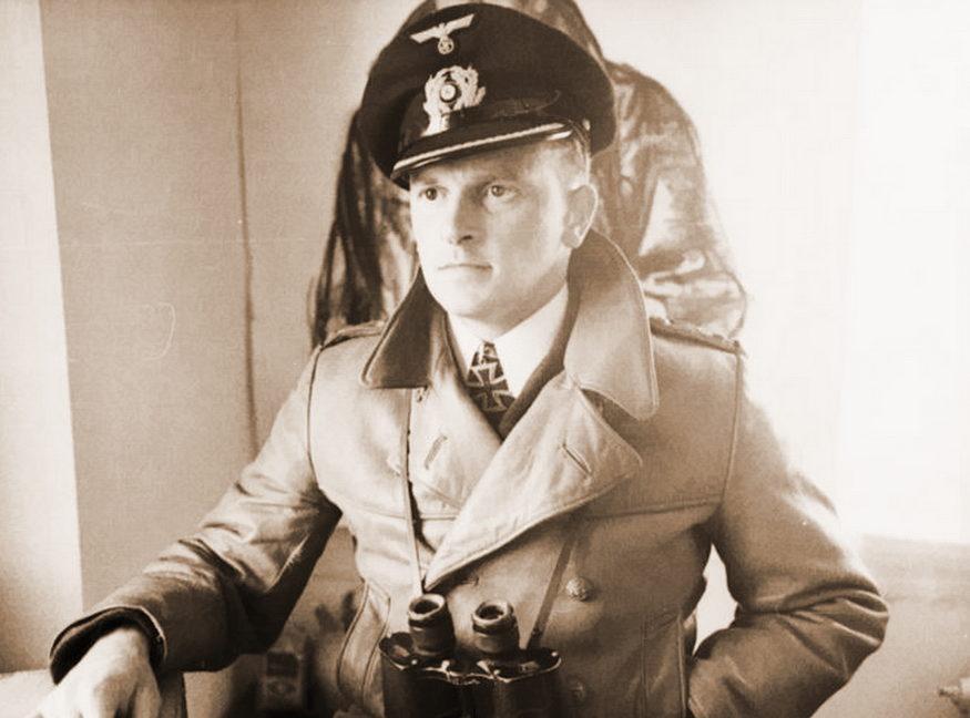 Командир подлодки «U-48» Герберт Шульце стал вторым подводником, получившим Рыцарский крест, и первым награжденным за 100 тыс. т. потопленного тоннажа. 1941 г.