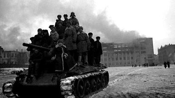 Красная Армия в городе. 15 февраля 1943 г.