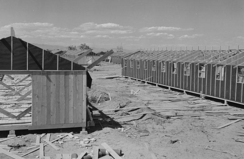 Строительство бараков в лагере «Постон». 1942 г.