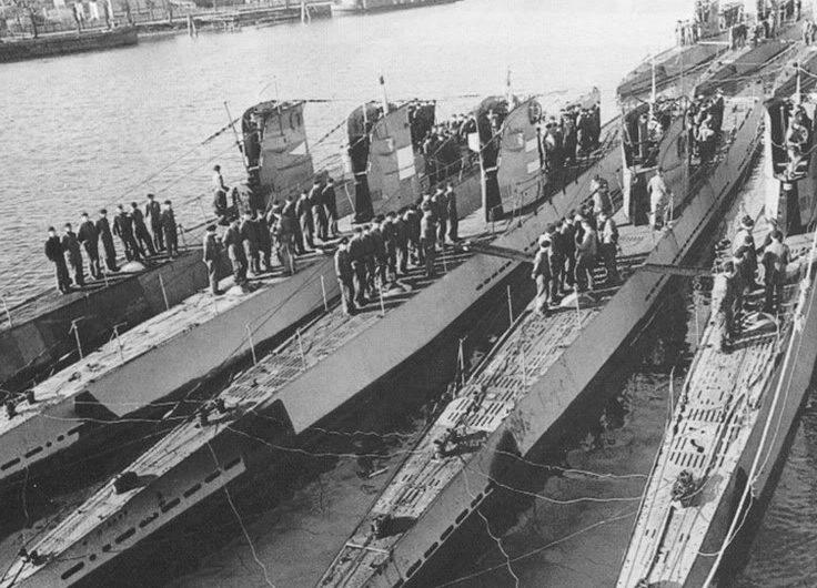 Стоянка подлодок 21-й флотилии. 1943 г.