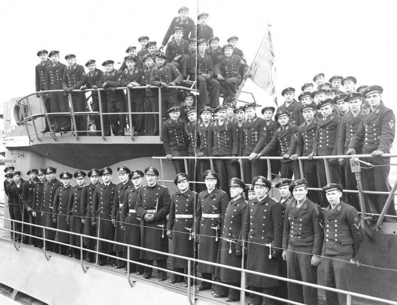 Экипаж подлодки «U-873» в день ввода ее в состав немецкого флота. Март 1944 г.