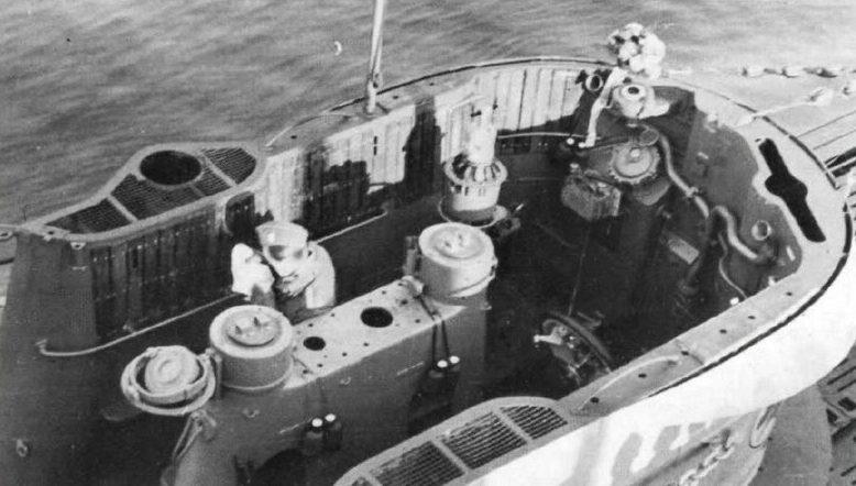 Вид сверху на рубку подлодки «U-130». Февраль 1942 г.