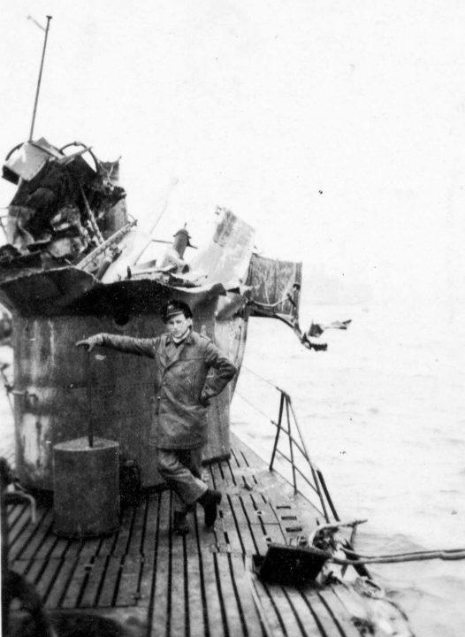 Поврежденная подлодка «U-290». Июнь 1944 г.