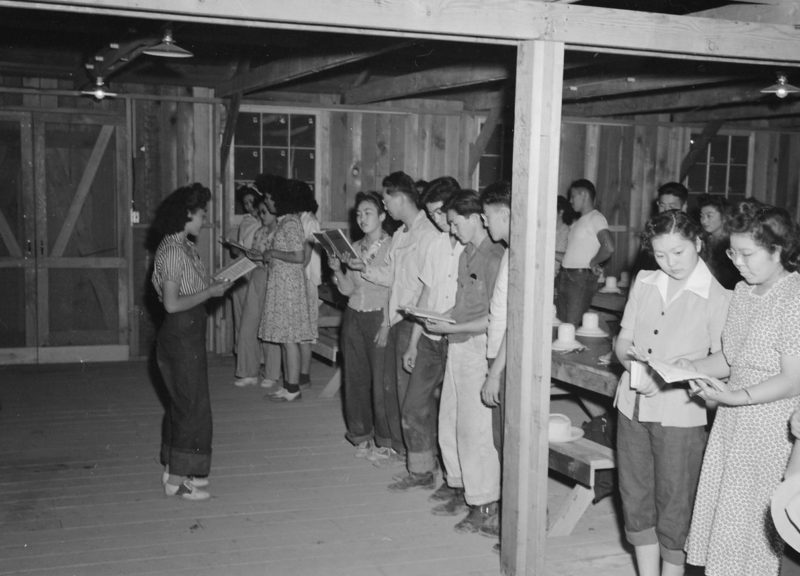 Молитва в лагере «Постона». 1942 г.