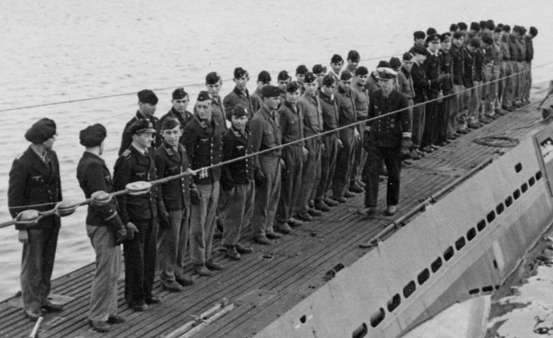 Построение экипажа подлодки «U-763». 1944 г.
