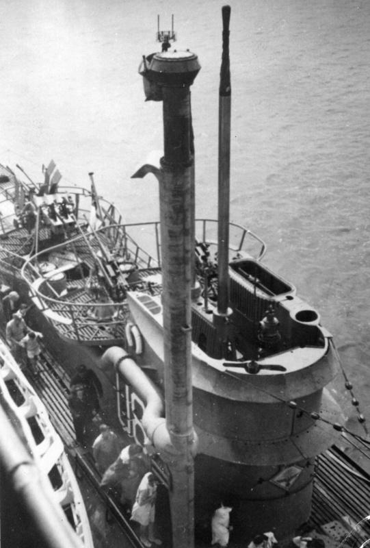 Подлодка «U-889» капитулирует в Шельбурне. Май 1945 г.