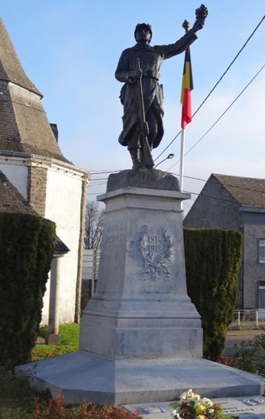 Муниципалитет Lierneux. Военный мемориал обеих войн.