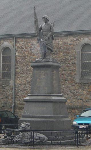 Коммуна Neuville-en-condroz. Памятник погибшим воинам и жертвам обеих войн.