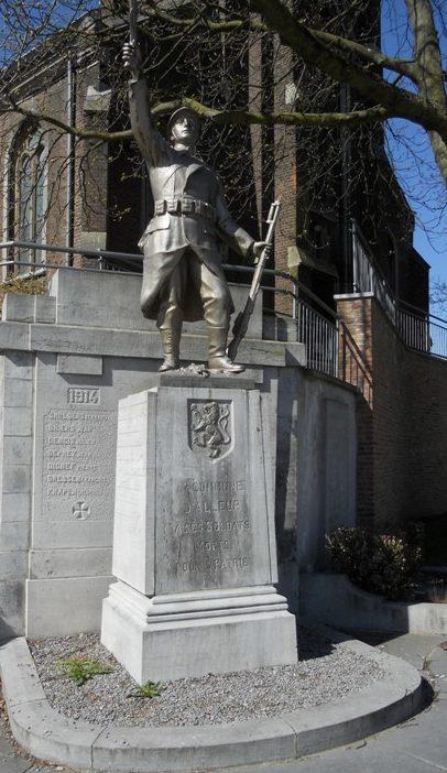 Муниципалитет Alleur. Памятник у церкви жертвам обеих войн.