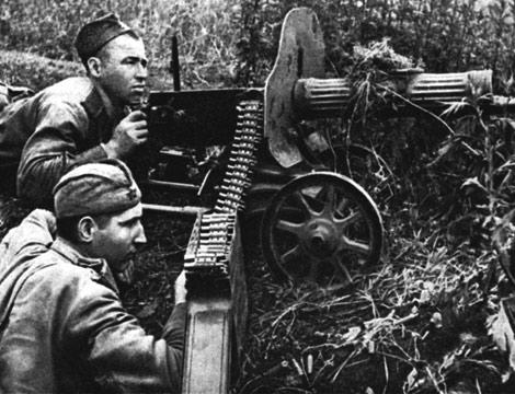 Пулеметная позиция в пригороде. Октябрь 1941 г.