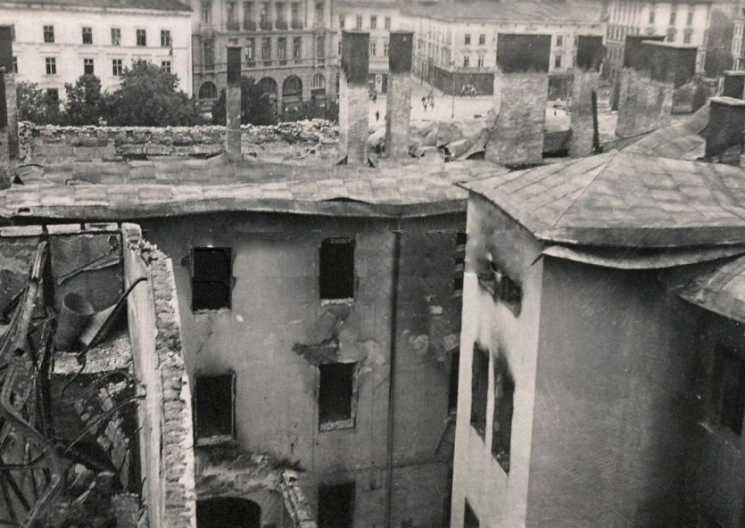 Развалины отеля на улице Коперника. Сентябрь 1939 г.