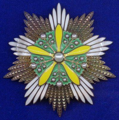 Звезда ордена Цветущей орхидеи.