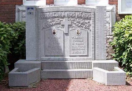 Муниципалитет Noville. Военный мемориал обеих войн.