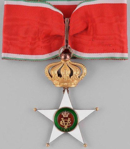 Знак Великого офицера Колониального ордена Звезды Италии.