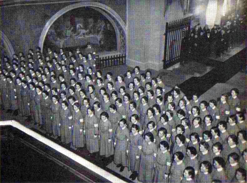 «Лотты» приносят присягу в церкви в города Турку. 1936 г.