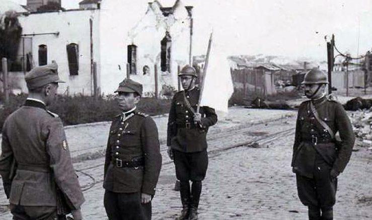 Польские парламентеры ведут переговоры с передовыми частями Вермахта. Львов, ул. Городоцкая, сентябрь 1939 г.