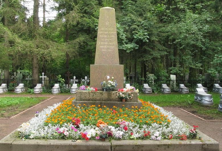 Участок воинских захоронений.