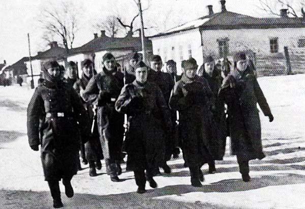 На окраине города. Январь 1942 г.