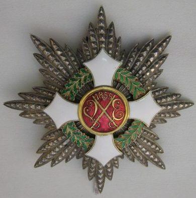 Аверс и реверс звезды Савойского военного ордена Италии.