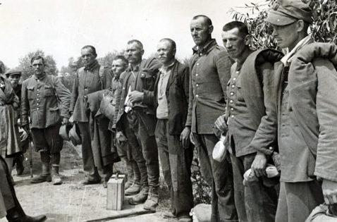 Польские военнопленные в районе Львова. Сентябрь 1939 г.