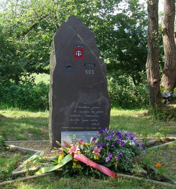 Муниципалитет Arbrefontaine. Стела в память о боевых действиях в январе 1945 г.