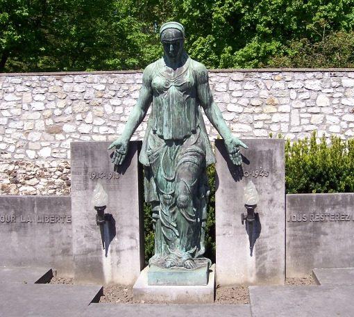 Муниципалитет Flemalle-haute. Памятник депортированным, заключенным и гражданским жертвам обеих войн.