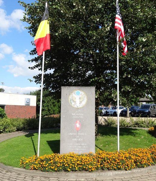 Муниципалитет Aubel. Памятный знак 30-й стрелковой дивизии США.