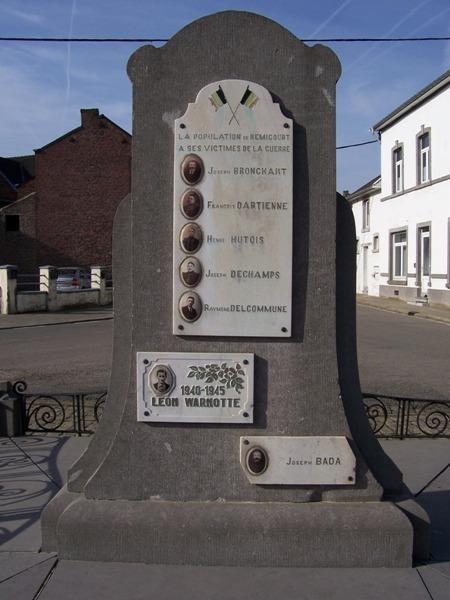 Муниципалитет Ремикур (Remicourt). Военный мемориал обеих войн.