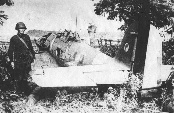 Румынский истребитель He-112В-2, сбитый над городом. Сентябрь 1941 г.