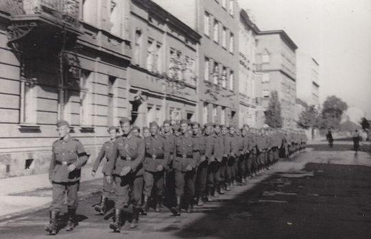 Батальон «Нахтигаль» в городе. 30 июня 1941 г.