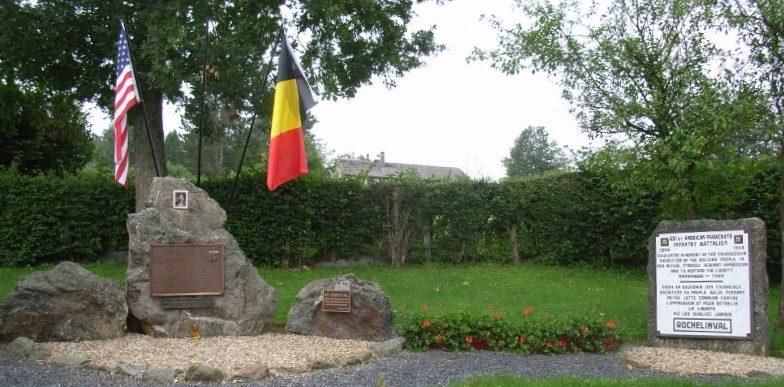 Коммуна Rochelinval. Мемориал 551-го американскому парашютно-пехотному батальону, освободившему коммуну в январе 1945 г.