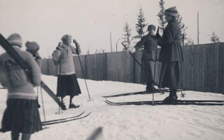 «Лотты» на лыжной подготовке. 1939 г.