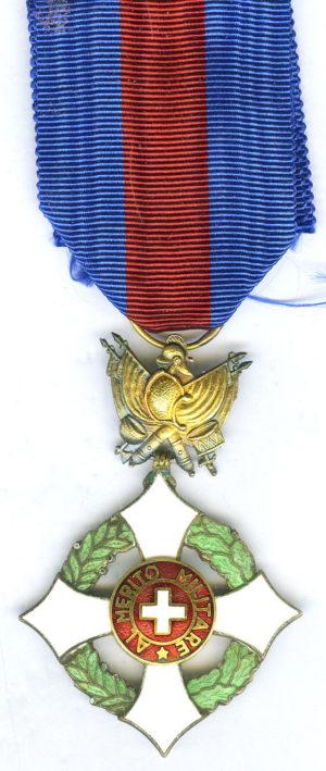Аверс и реверс знака Офицера Савойского военного ордена.