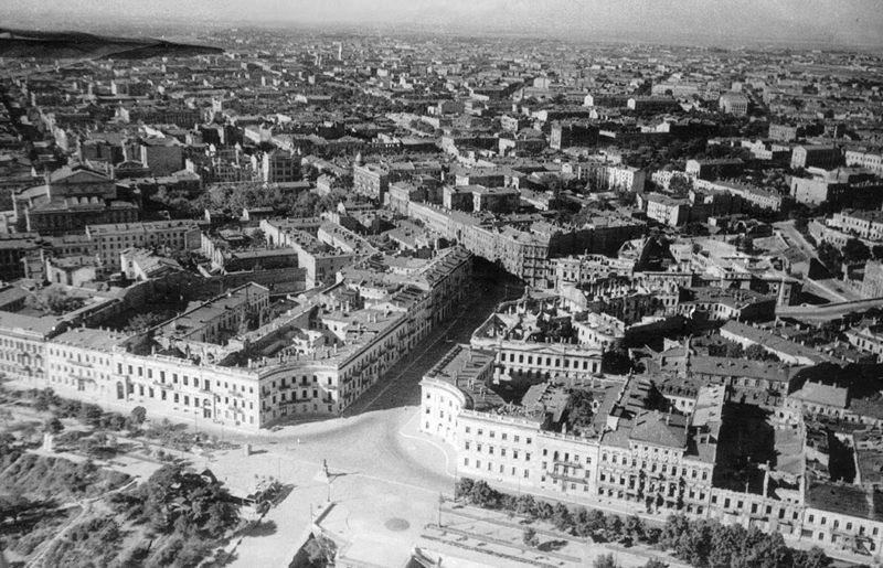 Город с высоты. Сентябрь 1941 г.