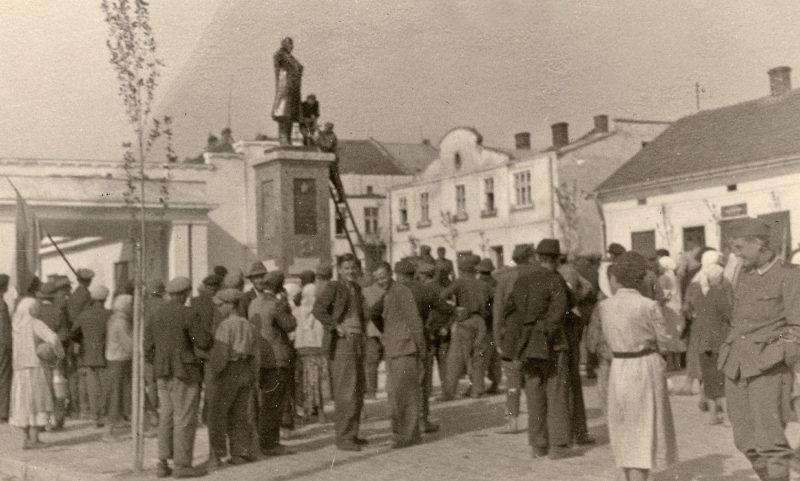 Демонтаж памятника Ленину. Июнь 1941 г.