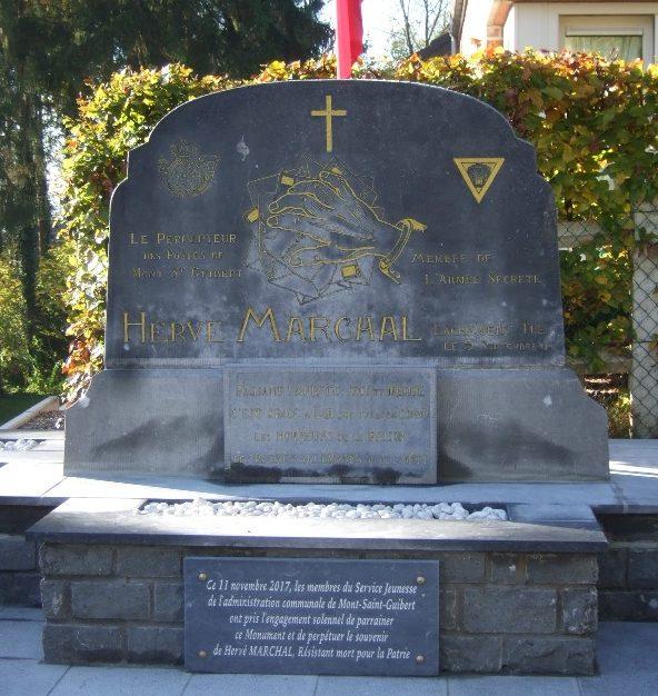 Совет Mont-Saint-Guirert. Памятник неизвестным воинам был открыт в 1948 г.
