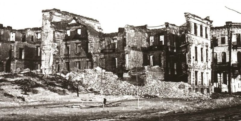 Красная площадь. Гостиница «Ленинград» (нынешняя гостиница «Центральная»).