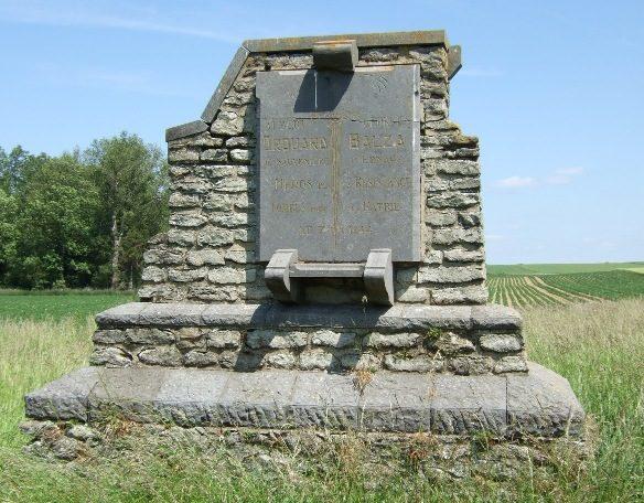 Совет Nil-Saint-Vincent. Памятник героям Сопротивления, погибшим в сентябре 1944 года.