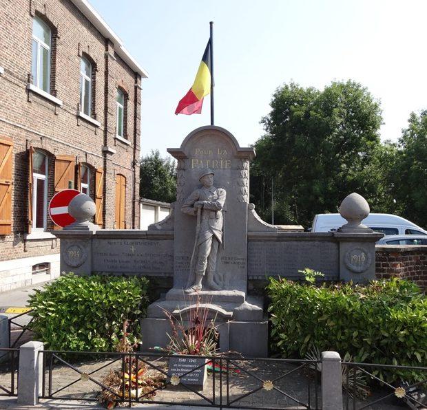 Муниципалитет Bassenge. Военный мемориал обеих войн.