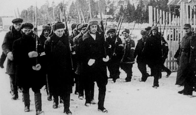 Отряд вспомогательной полиции в поселке под Минском. Зима 1941 г.