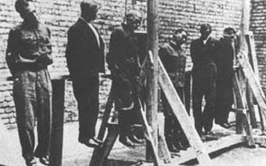 Генерал Власов (третий справа) со своим штабом. Август 1946 г.